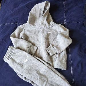 Nike toddler sweat suit